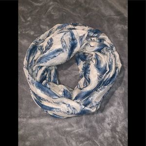 Such a cute infinity scarf , you will love color